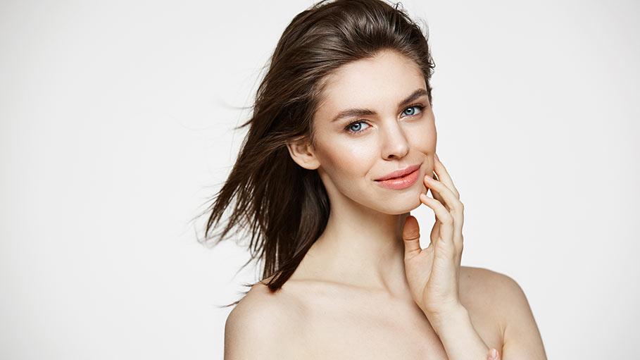 Välj produkter från SkinCeuticals utifrån din hudtyp